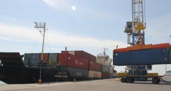 نخستین محموله صادراتی از بندر لنگه به کشور قطر ارسال شد